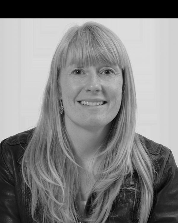 Økonomi & Administration Louise Christensen